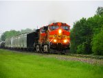 BNSF 4662 & BNSF 5465 on UP QGAMAJ-15