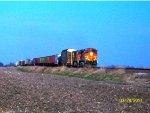 BNSF 4436 & BNSF 5308 lead QGAMAJ-27