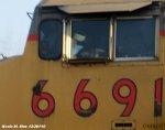 UP 6691 leads NS 70E