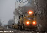 UP 5105 leads UP IDXG4R-14