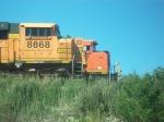 BNSF 8868 & BNSF 9377.