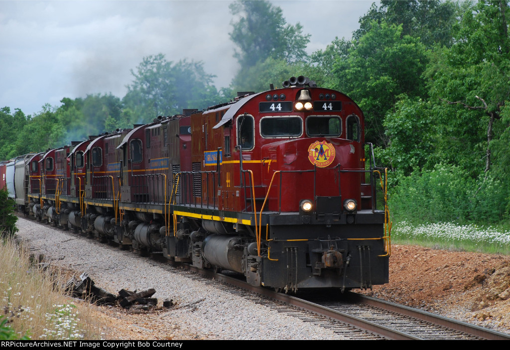 AM 44 and 5 other C420s lead the Monett Turn back south.