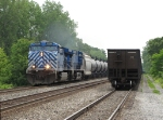 CEFX 1007 & 1024 lead the ethanol empties of K695-02 west