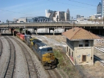 CSX 5309 leads Q141 past the Spring St. Tower