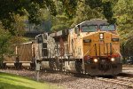 UP 6907, eastbound UP train CWTNT