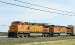 BNSF 4136 and 4981