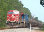 CP 9627 pulling the grade