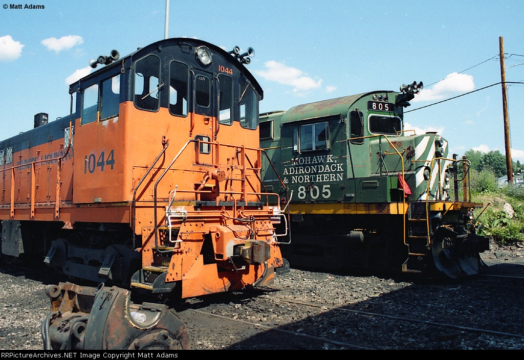 DL 1044 & MHWA 805