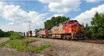 BNSF 744 & 669