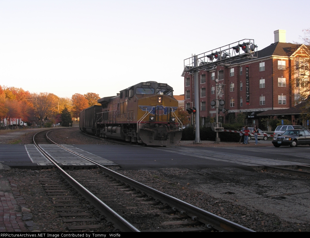 UP 5660 serves as a DPU on a eastbound coal