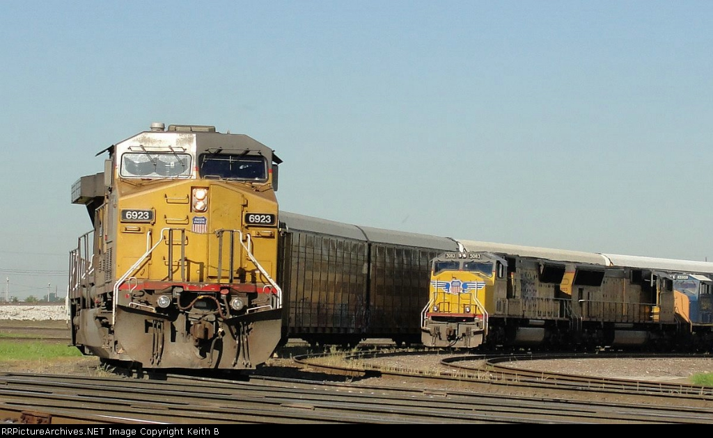UP 5083 and 6923