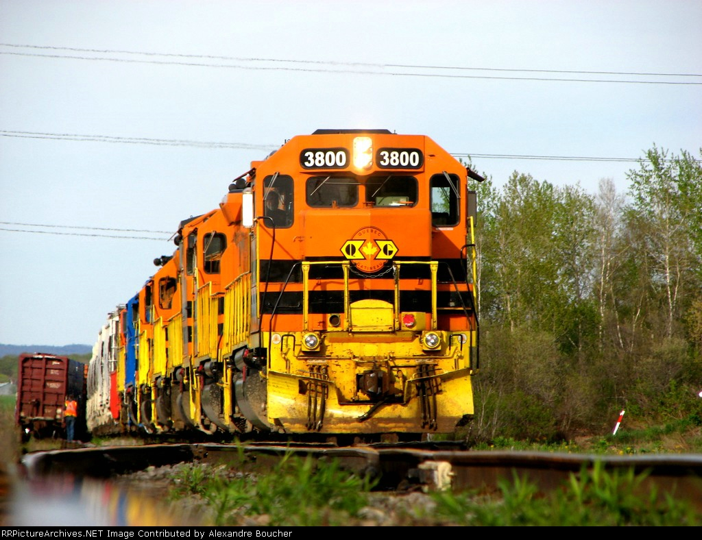 QGRY are doing switching on St-Basile siding