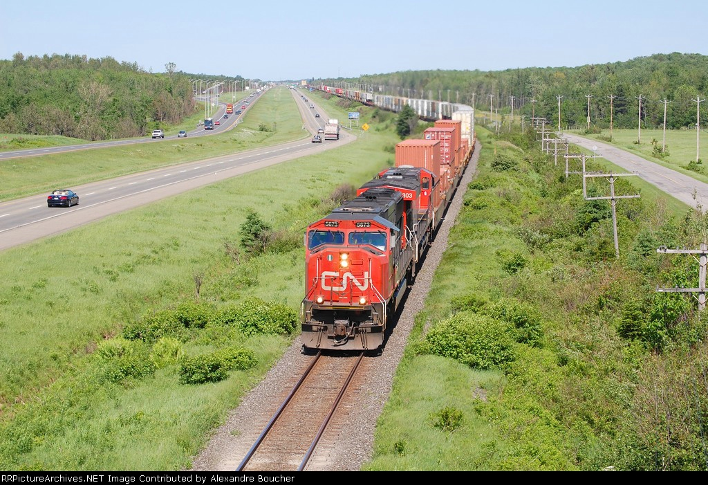 CN 121 climbing the hill to approch the advance of St-Apollinaire
