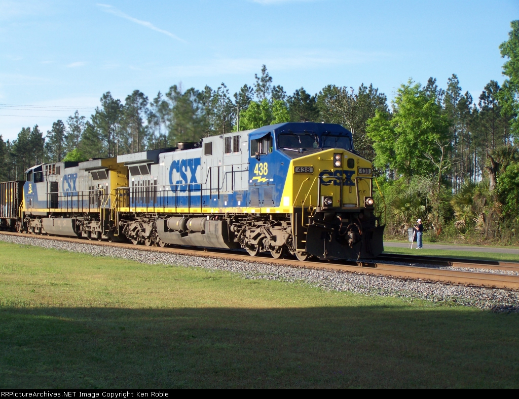 CSX 438 and 25