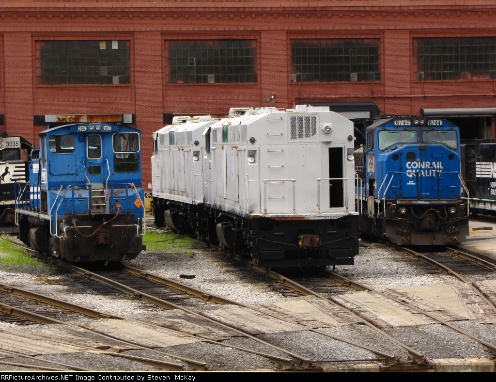 NS 2207