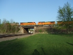 BNSF 5093 and 527