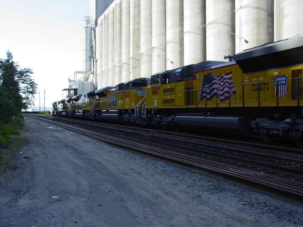 "Lead SD70MAC Holding 4 ""ACe's"""
