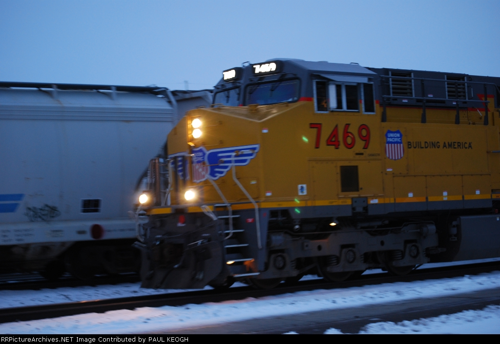 UP 7469 close up shot of the cab and the new LED road number lights that are now common on all locomotives coming out of GE Erie, PA.