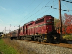 NH&I 2198 Fall Foliage train