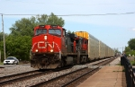 2 Dash 9's head west past the CN police