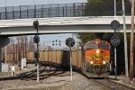 BNSF 4927 on NS 863