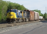 CSX 4536 & 4585 pull towards Pleasant St with Q335 before being talked past the stop indication