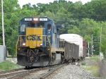 CSX 7611 rattles over the Seymour switch westbound with Q327-25