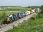 The fresh paint of 8553 contrasts with the worn Conrail paint on 7309 as they lead Q334-26