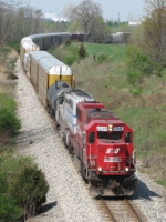 SOO 6049 brings X500 eastward