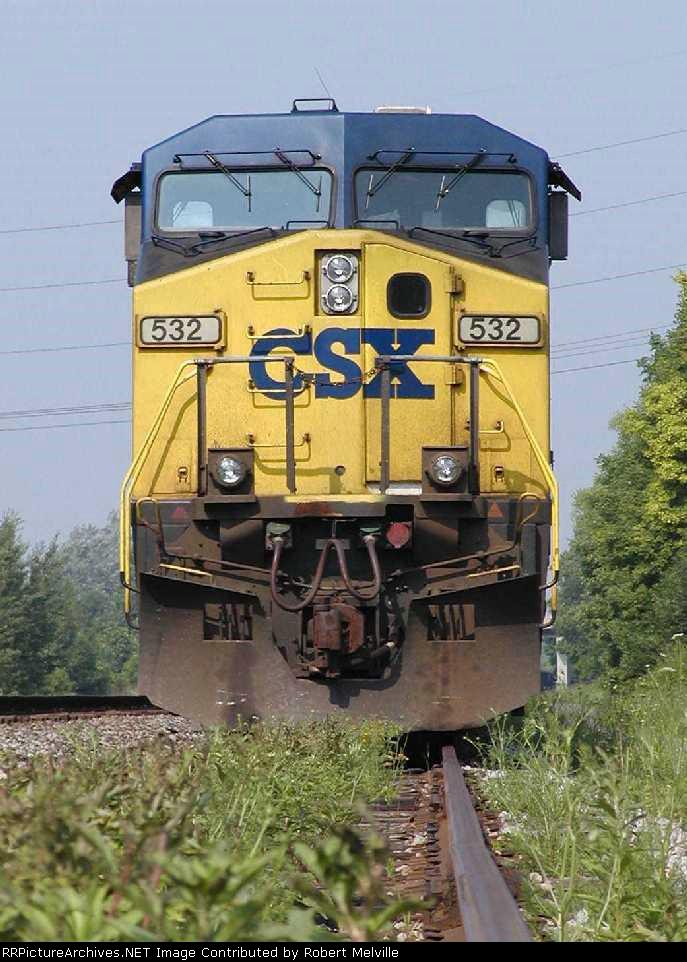 CSX 532 on controlled siding