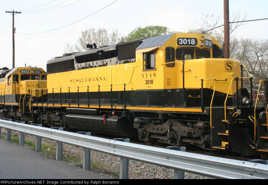 Recent Rebuild SD40 # 3018  on  SU-99 waiting to depart