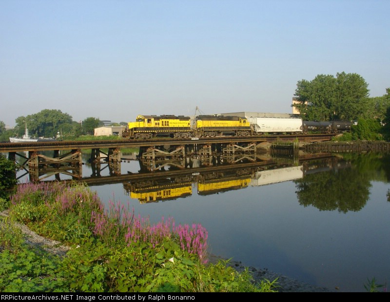 WS-7, with 1800 and 3040  crosses the Hackensack River after a nights work