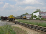 Q409 comes into the picture on CSX as the NYSW crew switches cars.