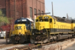 WS-4, with CSXT 2732, pulls along side the SU-99 to awaits its departure