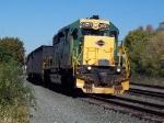 RN 3050 leads a train into Reading yard