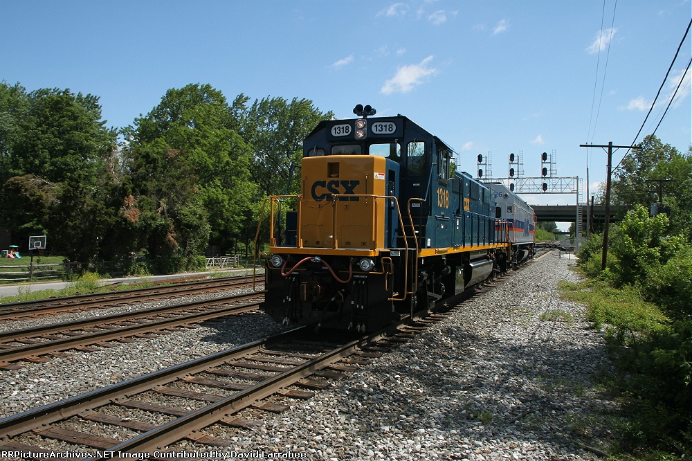 CSX 1318 in the consist for P934