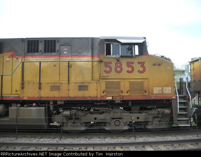 UP 5853