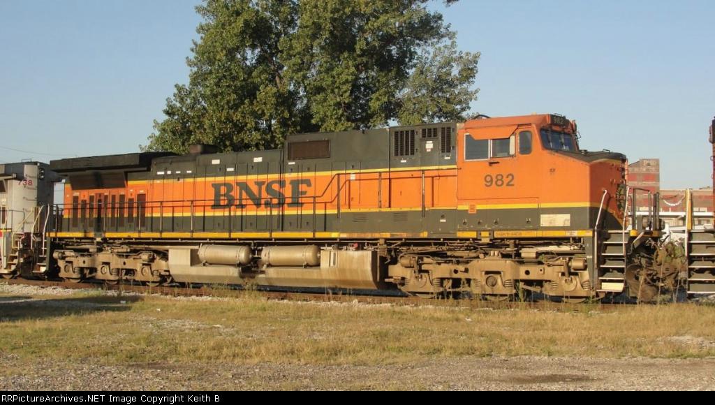 BNSF 982
