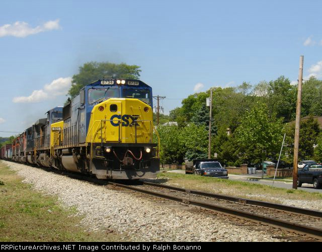 SU-100/Q156 Combo eastbound at midday