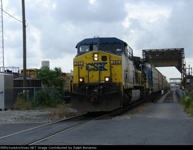 Q271-28 starting its journey westward on an overcast Sunday