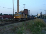 CSX/NYSW SU-404 westbound as the light fades