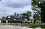 J768 north runs light meeting Q275 near SE Morgantown siding