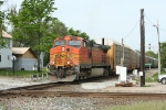BNSF 5173 comes out of the hole