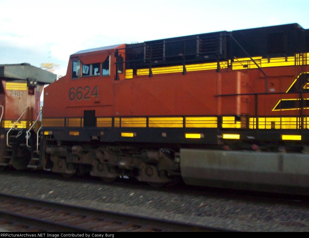 BNSF 6624