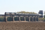 CSX 5369, 5314 on the Ohio River approach into Evansville, In.