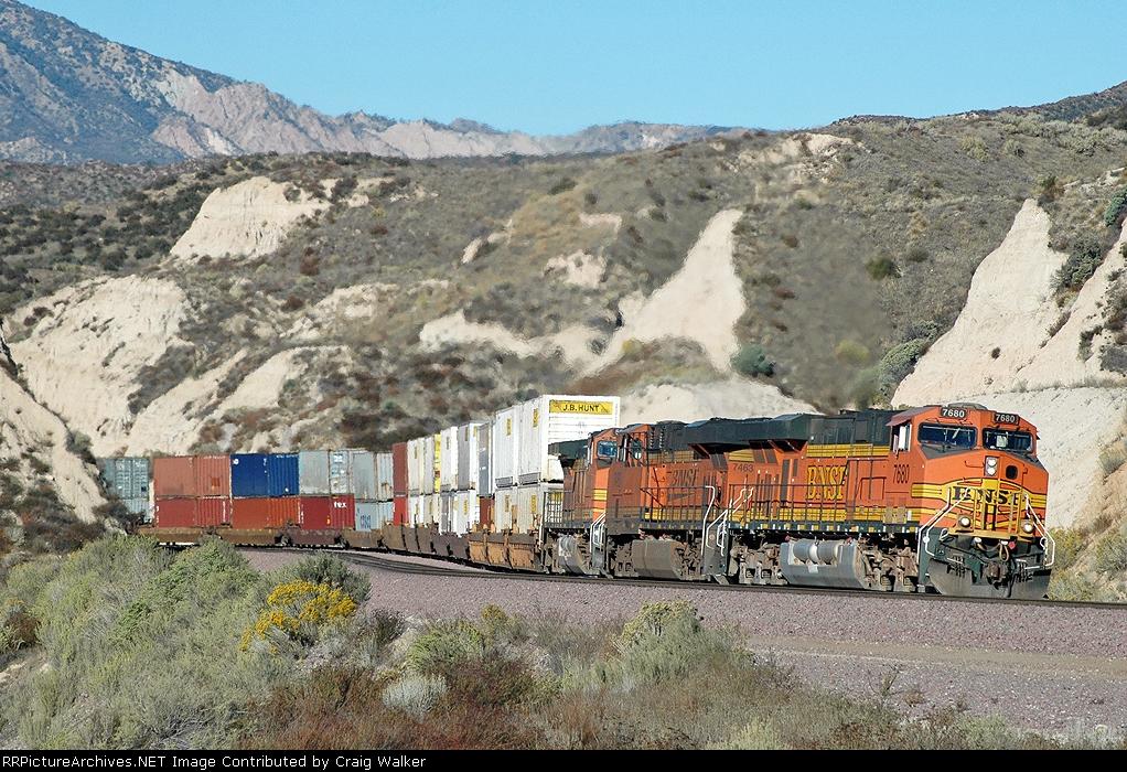 BNSF 7680 - mp 58, Cajon Pass, CA - 11/13/10