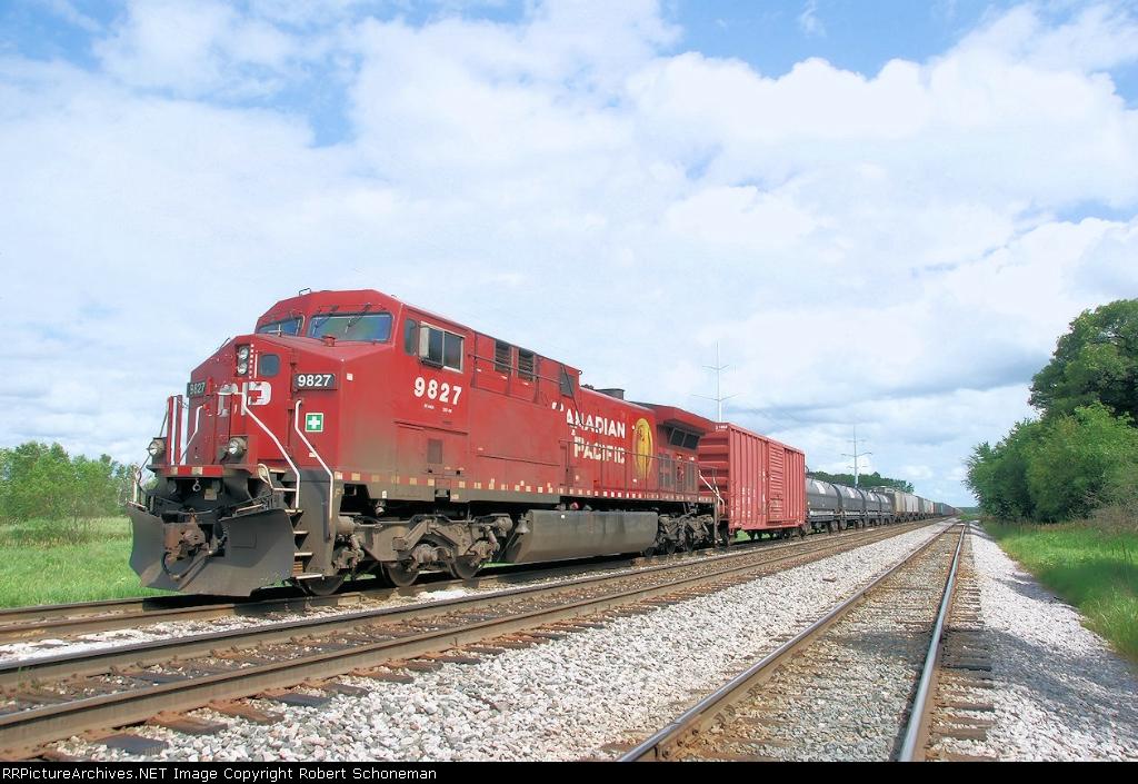 CP 9827 at Portage, WI   6-8-10