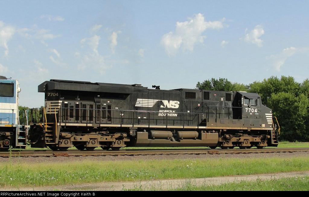 NS 7704