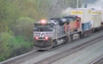 NS 2683 and BNSF 4372