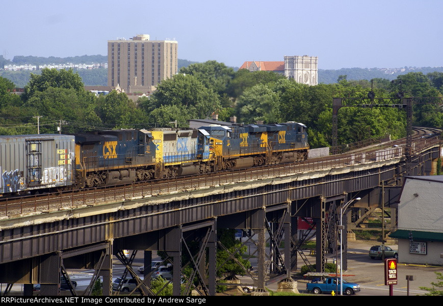 CSX EB headed to Russell